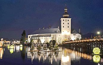 Schloss Ort mit Spiegelung, (c) Wolfgang Spitzbart