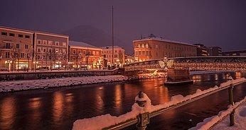 Brücke weihnachtlich geschmückt, (c) Daniel Leitner Photographie