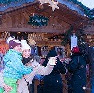 Strobl Advent, Mutter mit Kind, © WTG, Stadler